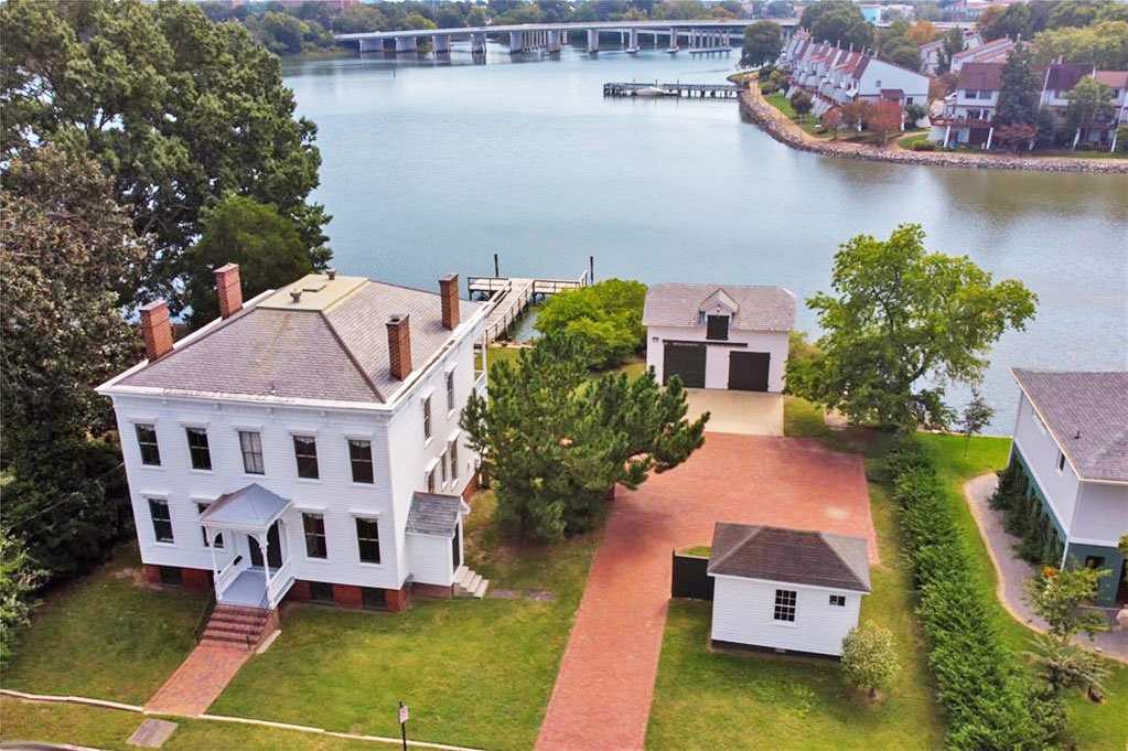 Aerial view of property located at 350 Syms Street, Hampton, Virginia 23669