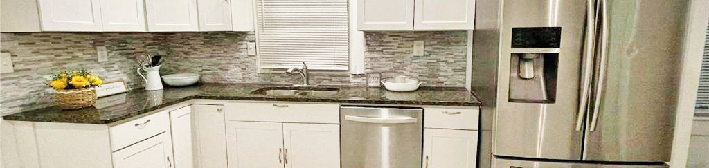 Kitchen in property located at 2818 Victoria Avenue, Norfolk, Virginia 23504